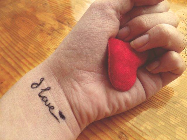 214968__heart-love-hand-love_p