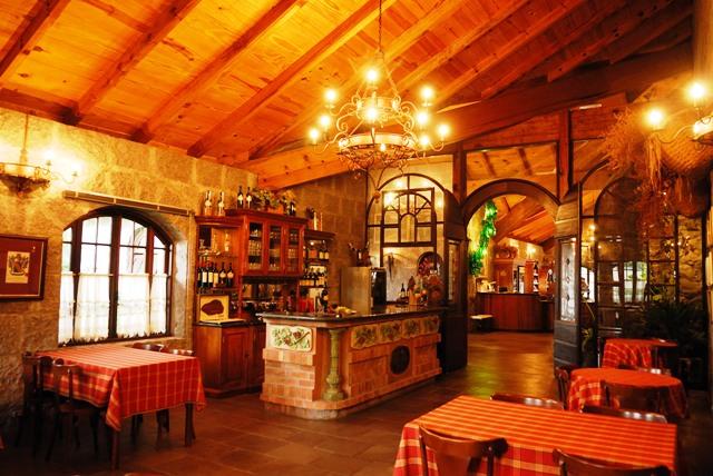 Monte-Reale-180411-Salão