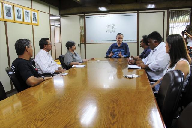 Visita da direção do Sindiserv ao presidente Cassina - Foto Gustavo Tamagno Martins