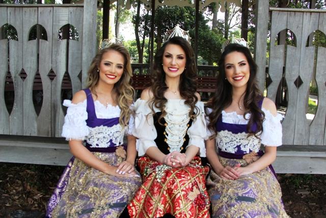 Rainha e Princesas da Festa da Uva_Crédito Alexandra Nunes