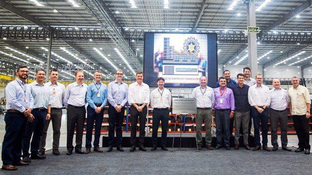 Executivos da Marcopolo na inauguração do novo Centro de Fabricação - Foto Gelson Mello da Costa