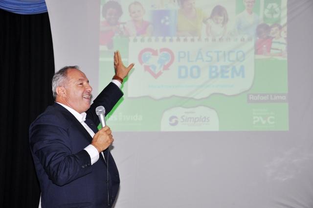 Presidente do Simplás Jaime Lorandi apresenta projeto Plástico do Bem - Foto Vanessa Weber