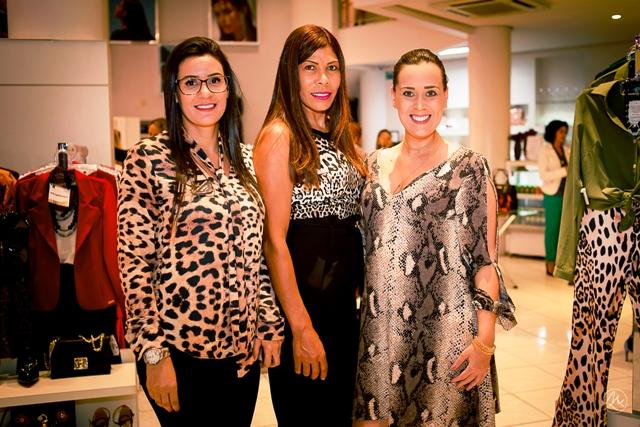 Sheila da Silva, Irma de Jesus e Simone Lopes. Foto Shaiane Giusti