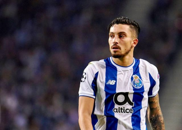 imprensa-de-portugal-coloca-alex-telles-na-mira-do-real-madrid-Futebol-Latino23-07