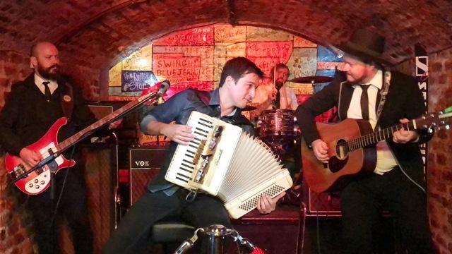 Beatles no Acordeon no Cavern Club - Foto Leandro Tuchtenhagen