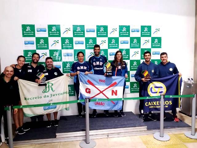 Na foto da esquerda para a direita, Edemar Júnior, Sarah Mattana, Arthur Moschen e Enio Guimarães