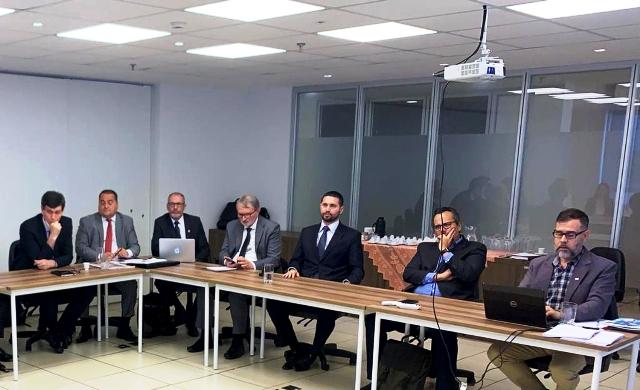 Reunião dos representantes da ABRUC, COMUNG, ABIEE e FONIF.