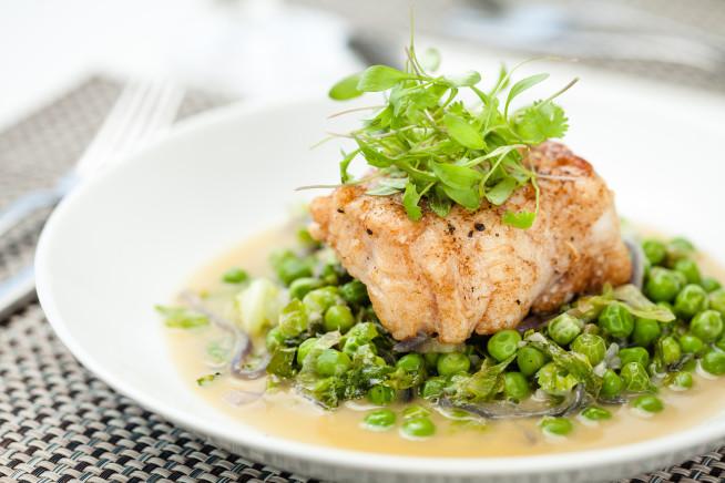 pescada-com-ervilhas-na-manteiga