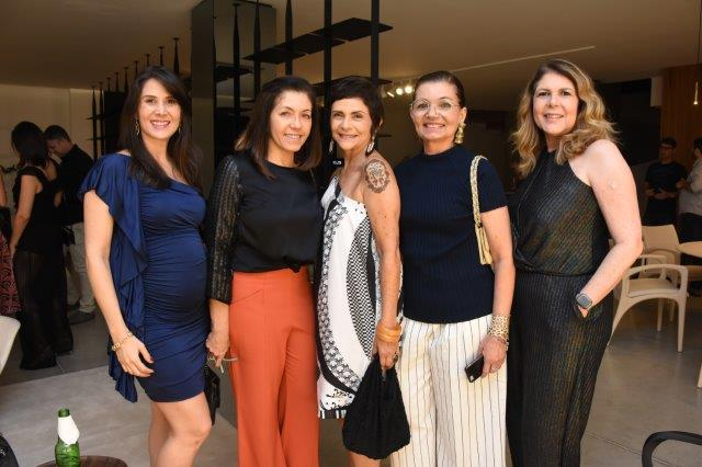 Carol, Vera Lucia, Mezia, Sheila, Janice