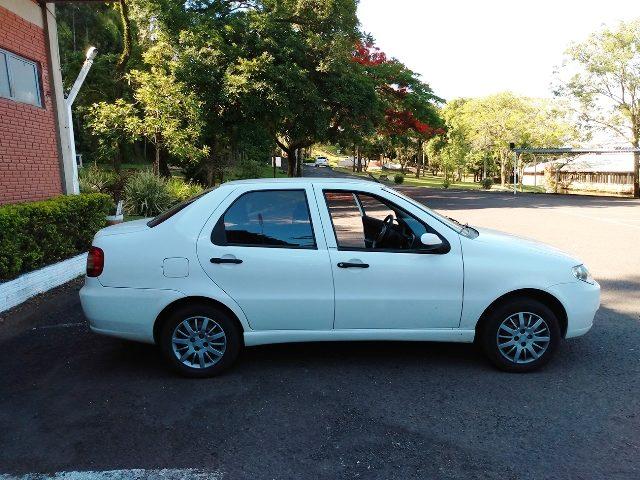 Fiat Siena - lateral direita