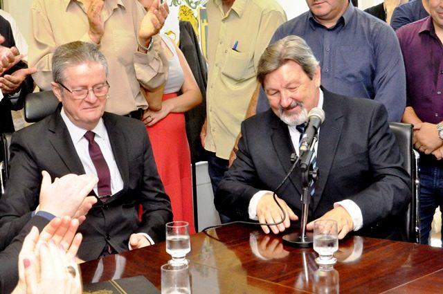 Os opostos se atraem, assim pode-se dizer do 'casamento' de Flávio Cassina (PTB) e Édio Elói Frizzo (PSB) - Foto Laudir Dutra
