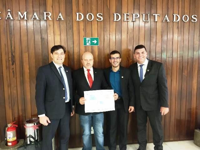 Rafael Bueno e direção do HG e Fucs ouviram compromisso do deputado Marlon Santos com a retomada de obras do hospital - Claudio Tatsch, Divulgação