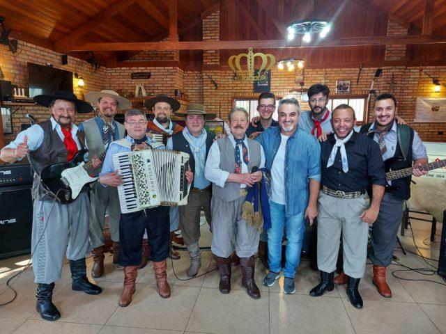 Grupo Monarcas no Programa de Odair Terra no Canal Rural